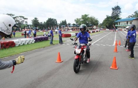 YamahaSavety-Riding